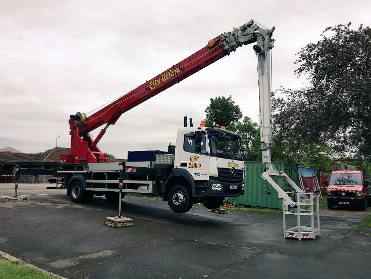 Mobile Crane Hoist : Bocker quicklifters crane hire city lifting